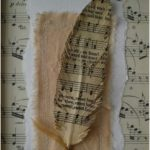 Easy to make romantic sheet music decoration projects - DIY Vintage Decor Ideas - Amz Dego